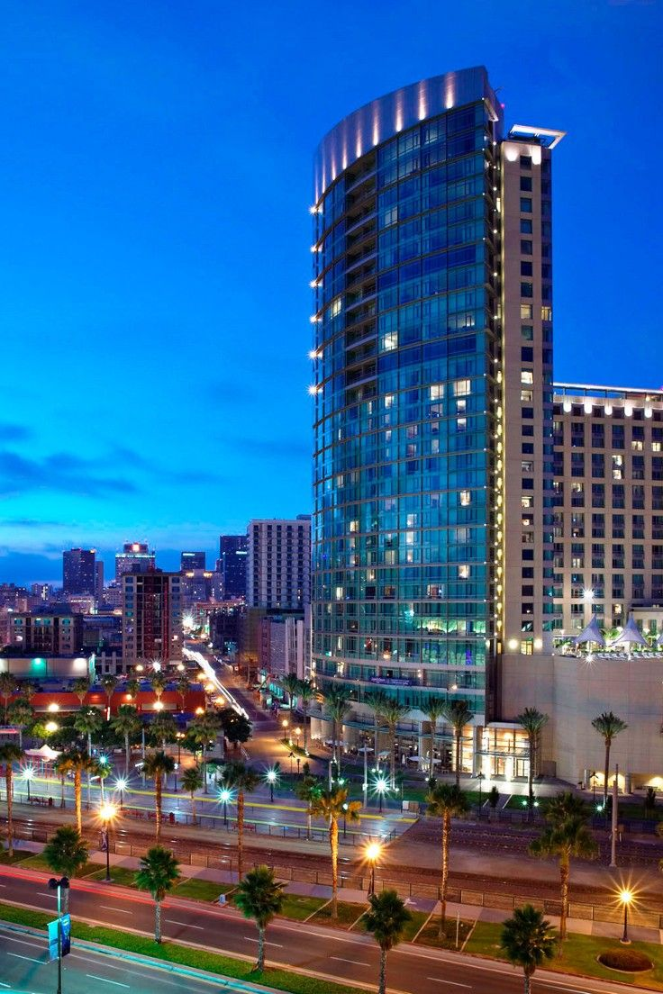Omni San Go Hotel California The Towers Above Petco Park Home Of Major League Baseball S Padres