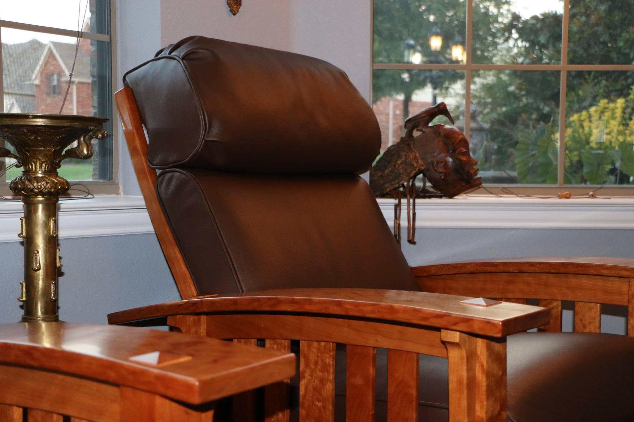 these morris chairs and ottomans are upholstered with roden leather rh pinterest com