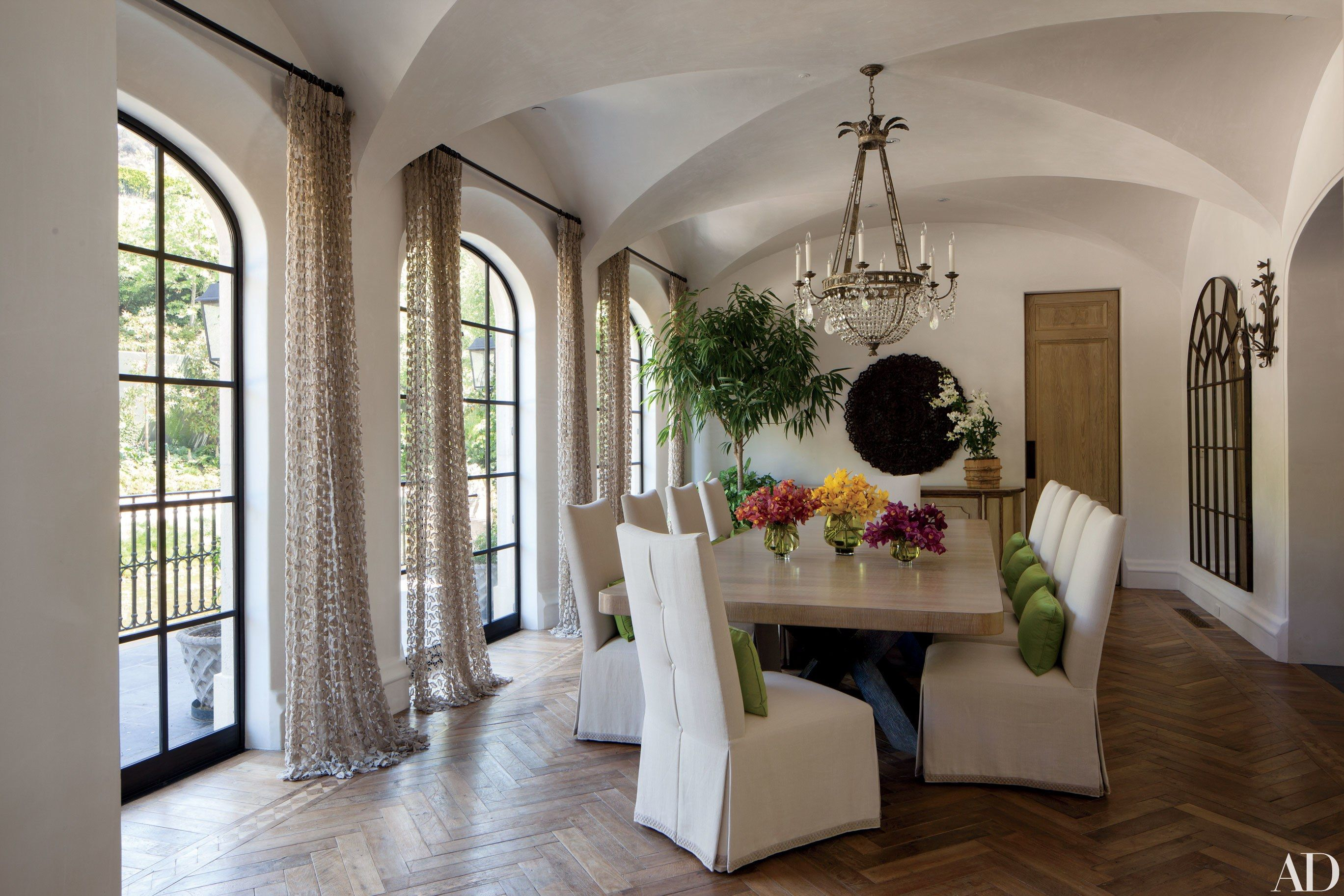 11 Large Dining Room Tables Perfect for Entertaining | Architectural ...