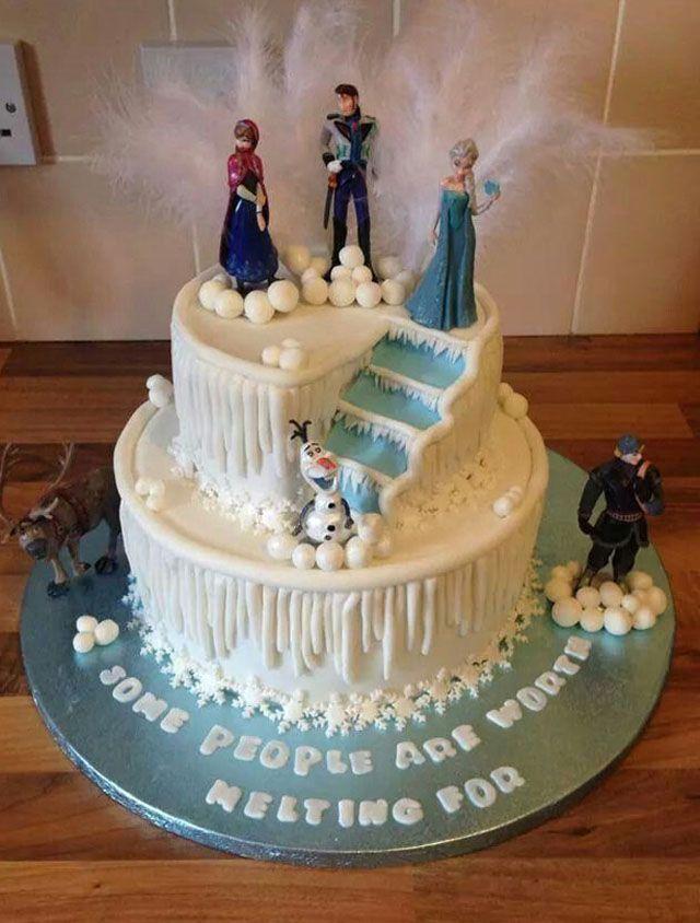Cantiknya 22 Kue Ulang Tahun Frozen Ini Bikin Putri Kamu Enggan Memakannya Jff Challenge Frozen Birthday Cake Frozen Party Cake Frozen Birthday