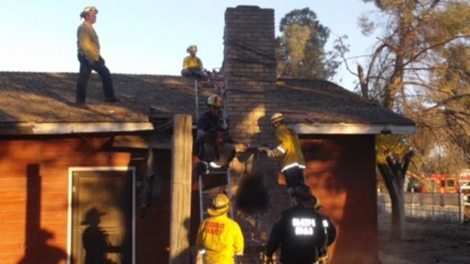 Burglar Dies In Chimney During Rescue After Homeowners Light A Fire Cops Burglar California Homes Homeowner