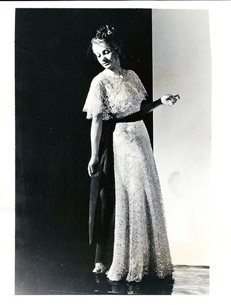 1938 Chanel Evening Gown 1930s Fashion Photography Pinterest