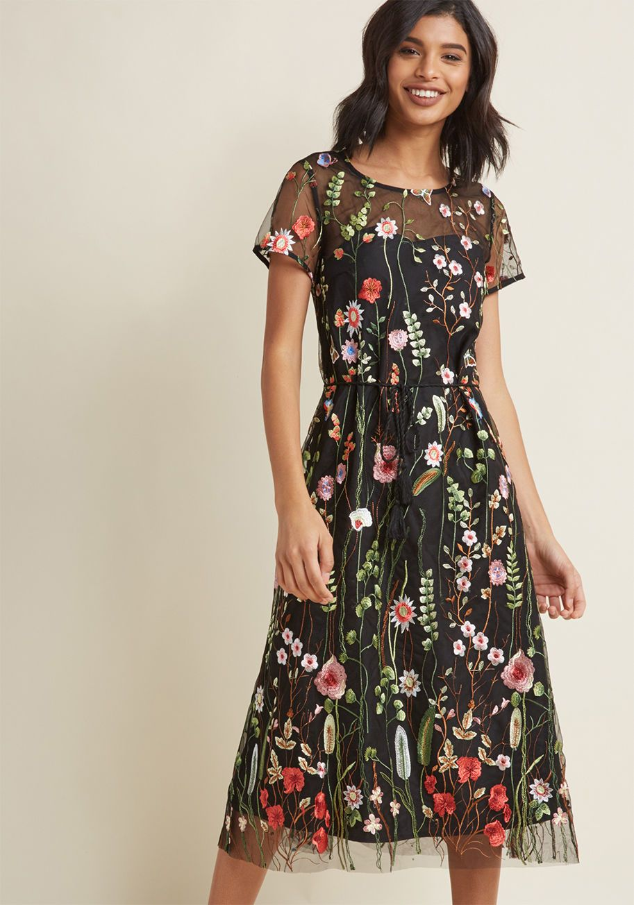 Floral Midi Dress With Embroidered Overlay In 2020 Embroidered Midi Dress Embroidered Mesh Dress Trendy Dresses