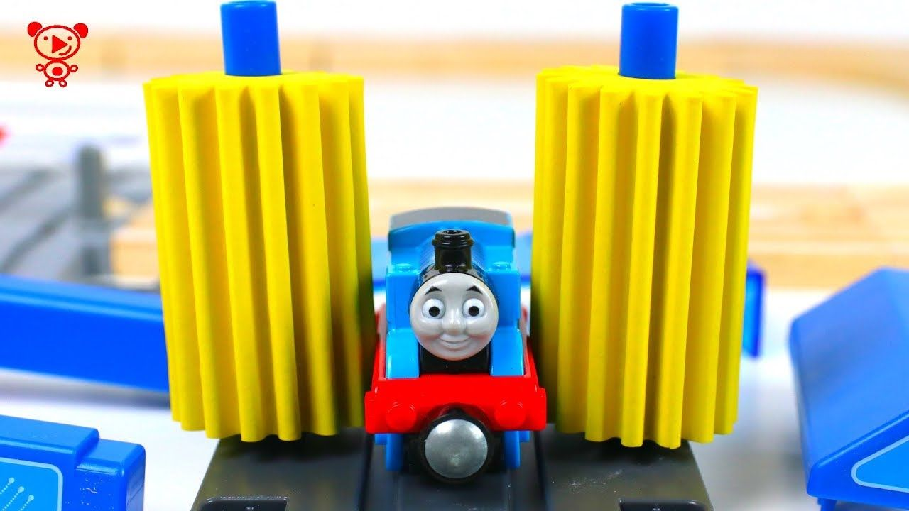 Zug Kinder Wooden Trains With Thomas Wooden Railway And Trains Like Brio
