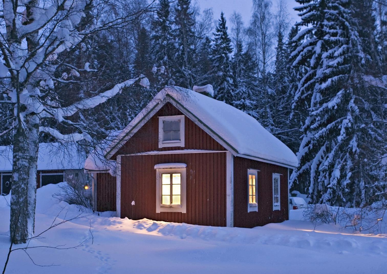 7 vinkkiä mökkipihan valaisemiseen | Meillä kotona