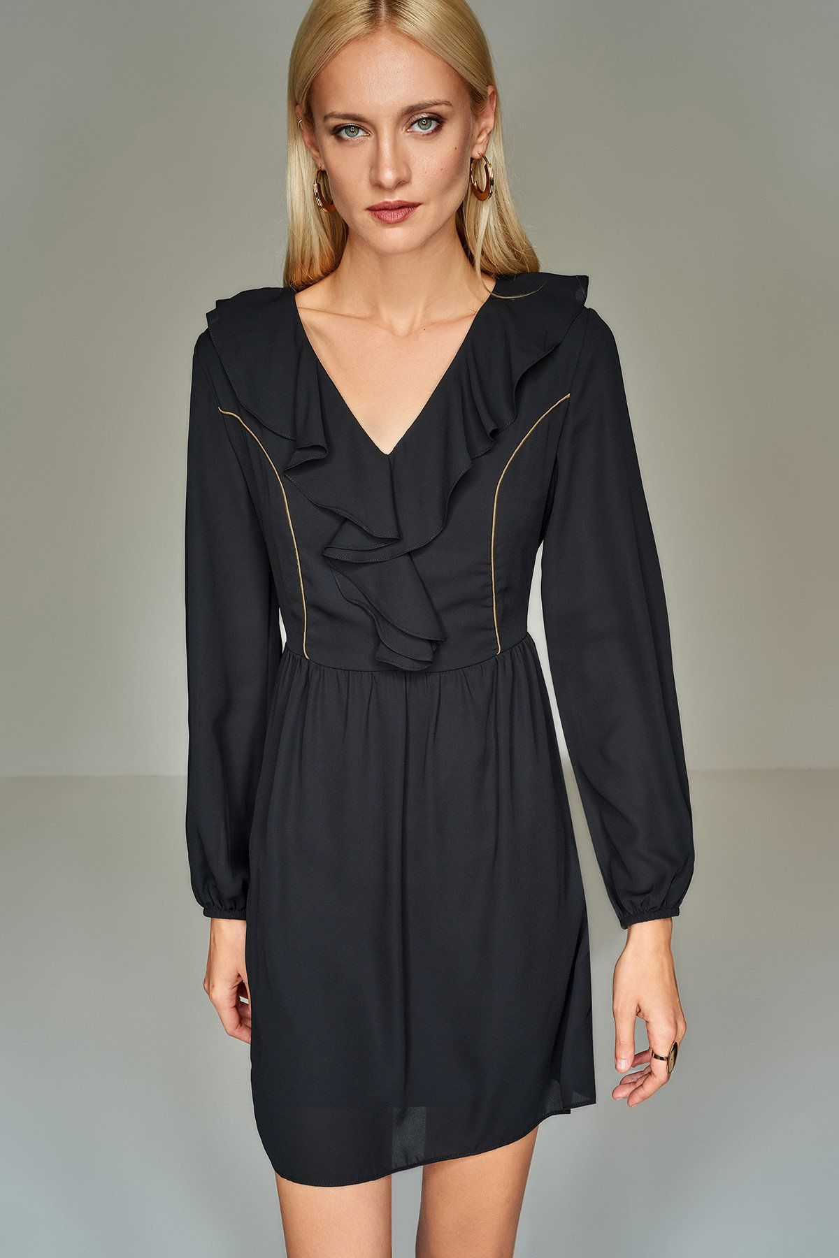 Siyah Yaka Detayli Gunluk Elbise Trendyolmilla Trendyol Elbise Elbise Modelleri Siyah