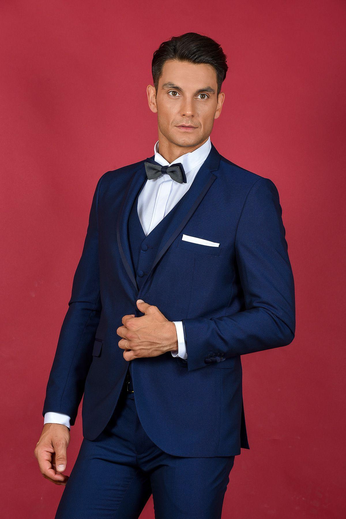 78d66d2e98d3 Γαμπριάτικο κοστούμι μπλε με φάσα σε στενή γραμμή