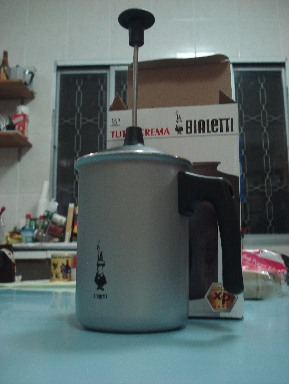Tuttocrema Cremeira para Leite Gelado ou Morno. Bialetti. Ideal para drinks e receitas que precisam da crema do leite em temperaturas mais amenas ou geladinho.