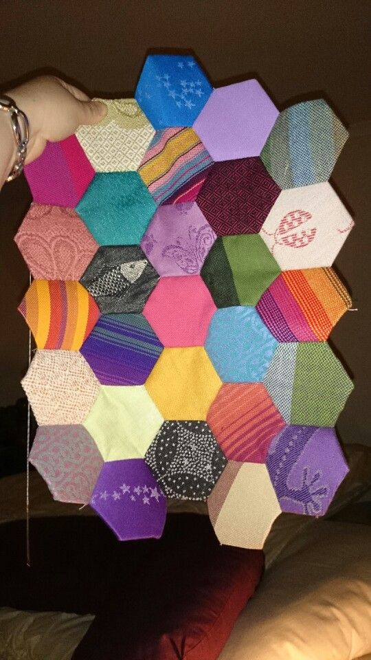 Wrap scrap hexi quilt