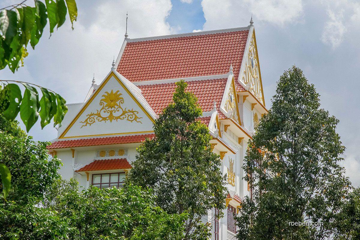 Röben Tondachziegel FLANDERNplus Rot Engobiert | Binh Duc Temples In Cao  Dai, Vietnam