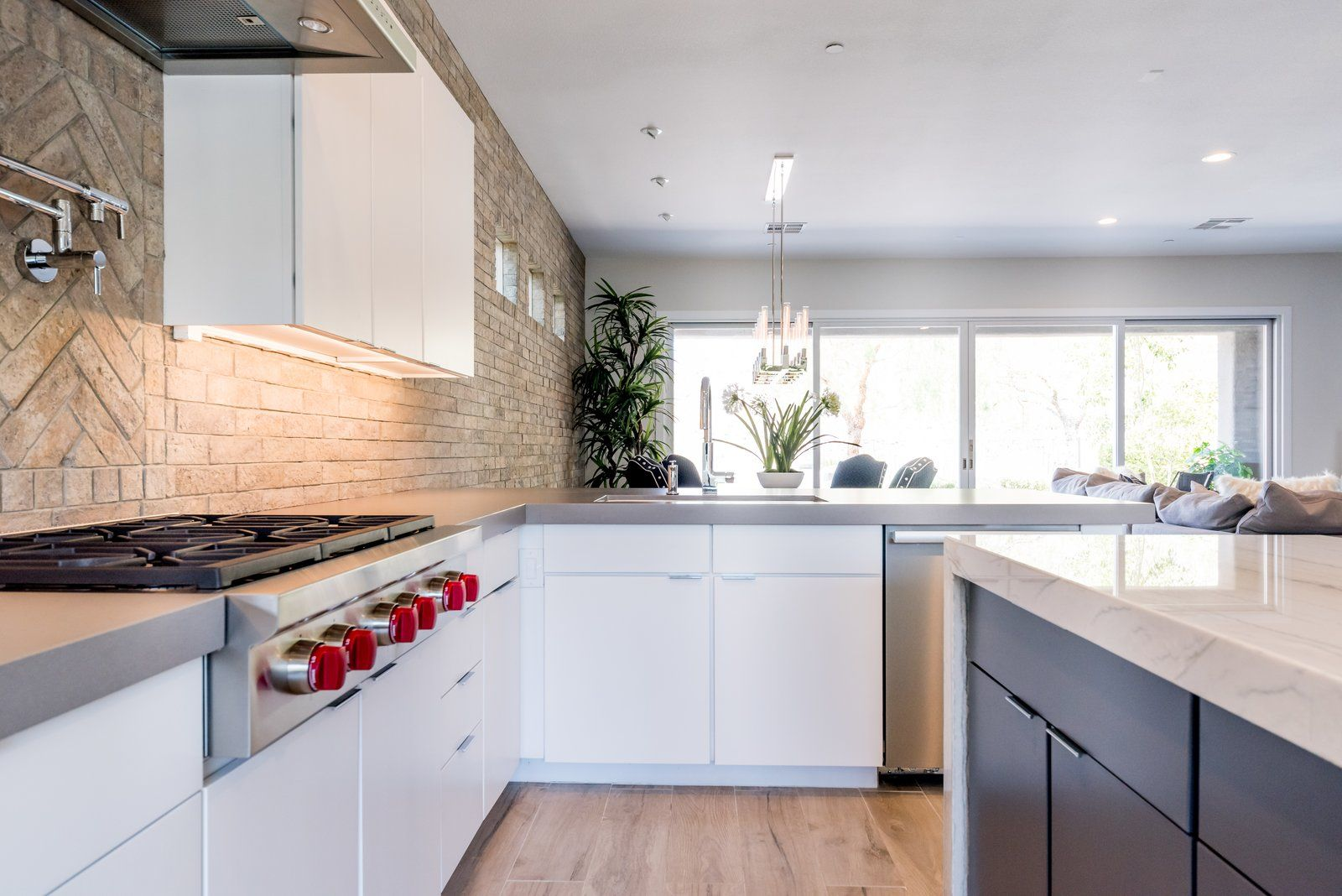 - 20 Dynamic Kitchens With Exposed Brick Backsplashes In 2020 (With Images)  Brick Backsplash, Brick Kitchen, Modern Kitchen