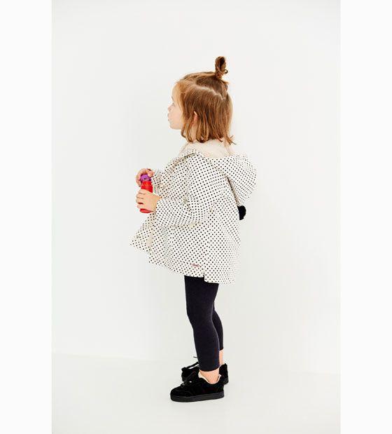 CHUBASQUERO TOPOS Y PELO | Baby raincoat, Zara baby, Zara kids