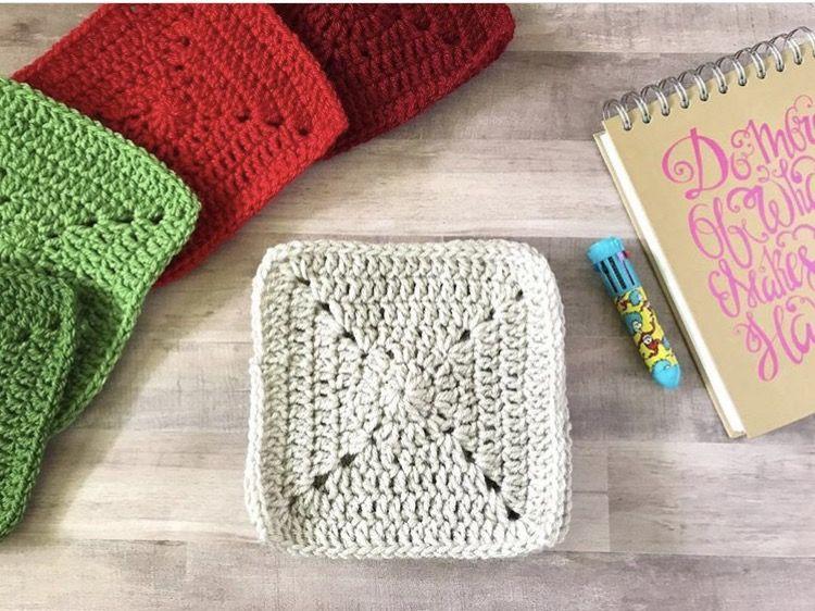 Solid Granny Square - Christmas Granny Afghan CAL | Crochet | Pinterest