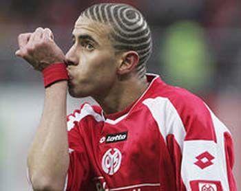 Mohamed Zidan~~Love his hairstyle,very socceristic ...  Mohamed Zidan~~...