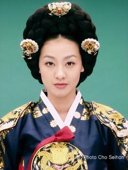 Empress Myeongseong(Hangul:명성황후;hanja:明成皇后) is a 2001…