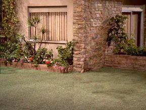 The Brady Bunch Blog: The Brady Bunch Backyard #bradybunchhouse