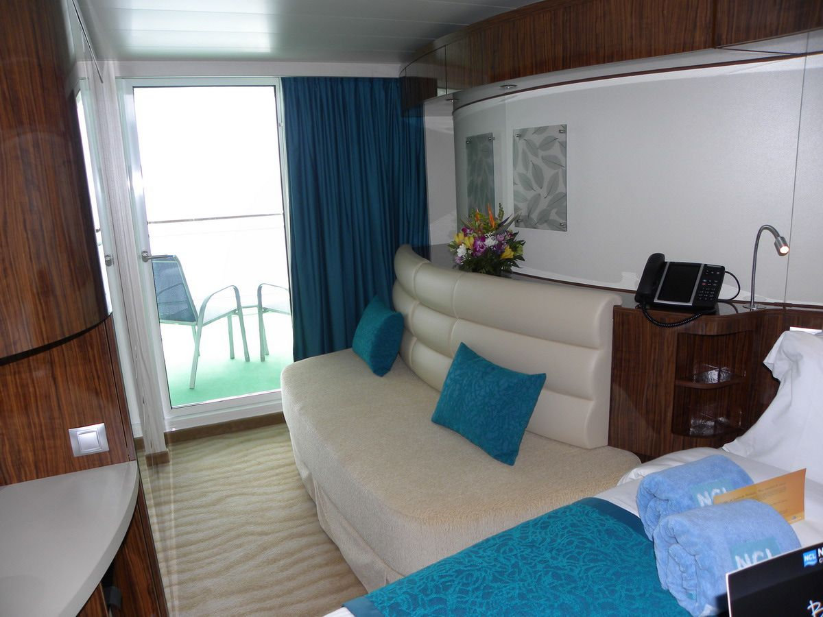 Photo Tour Of The Norwegian Epic Cruises Cabin And