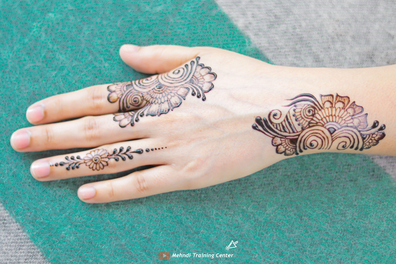 نقش الحناء فيديو سهل و جميل نقش الحناء خطوة بخطوة نقش الحناء البسيط Mehndi Designs For Hands Mehndi Designs Henna Images