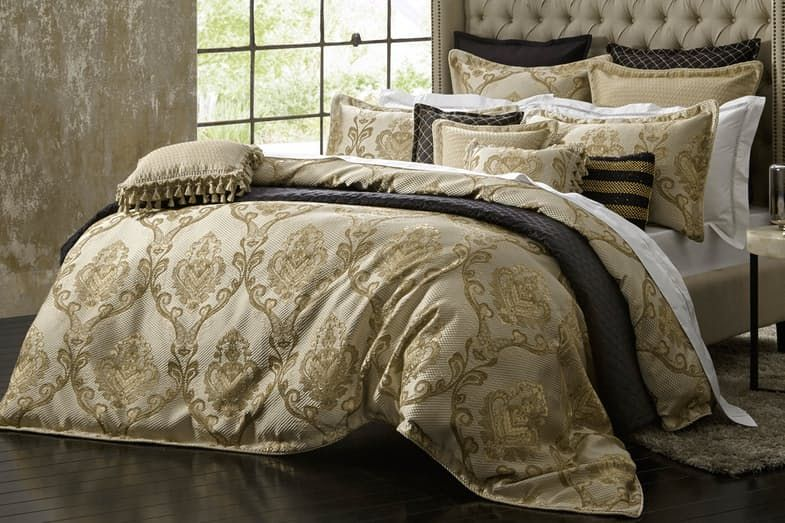 Castille Gold Duvet Cover Set By Da Vinci Harvey Norman New