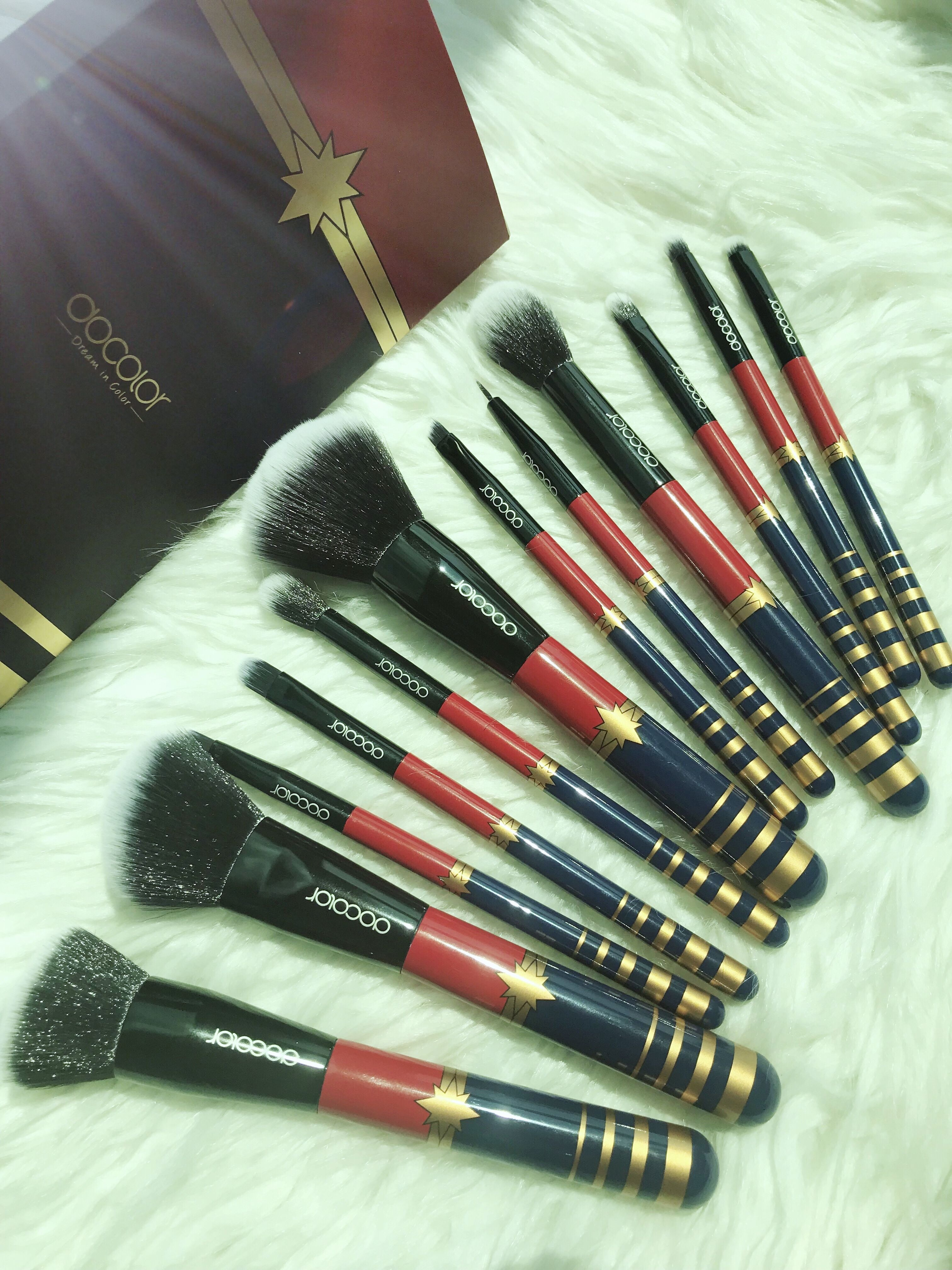 DOCOLOR BRUSHES wonderwomen makeupbrush (With images
