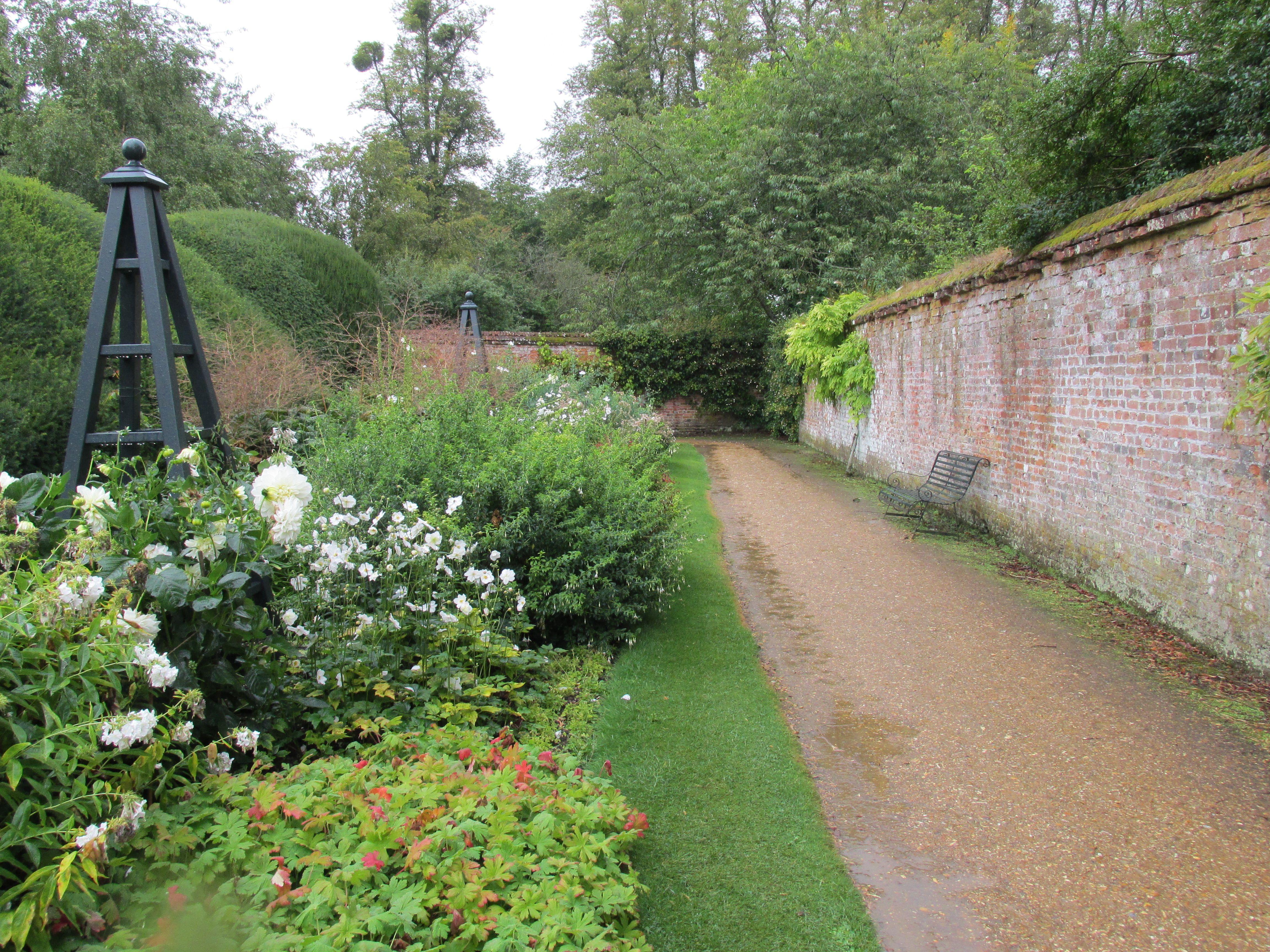 Highclere Castle Garden Castle Garden Highclere Castle Cotswolds