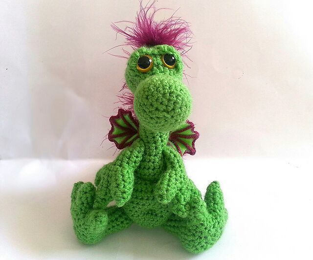 Amigurumi Baby Dragon : Crocheted chinese dragon youtube