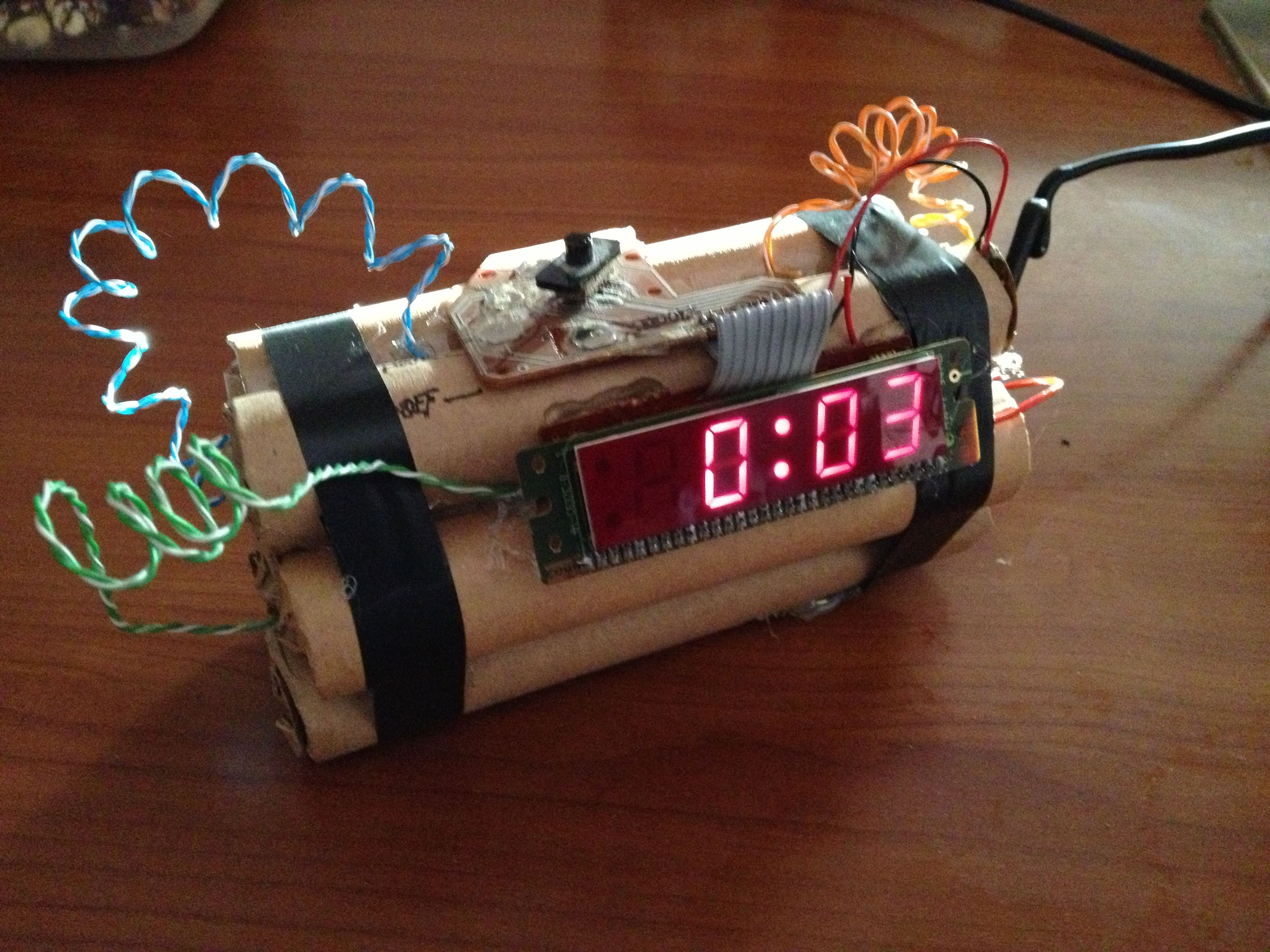 01a66078b36a Explosive Alarm Clock Reloj Despertador