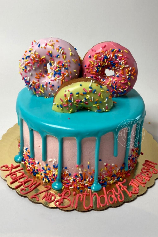Dougnut Lover Birthday Cake In 2020 14th Birthday Cakes Cute Birthday Cakes Bakery Cakes