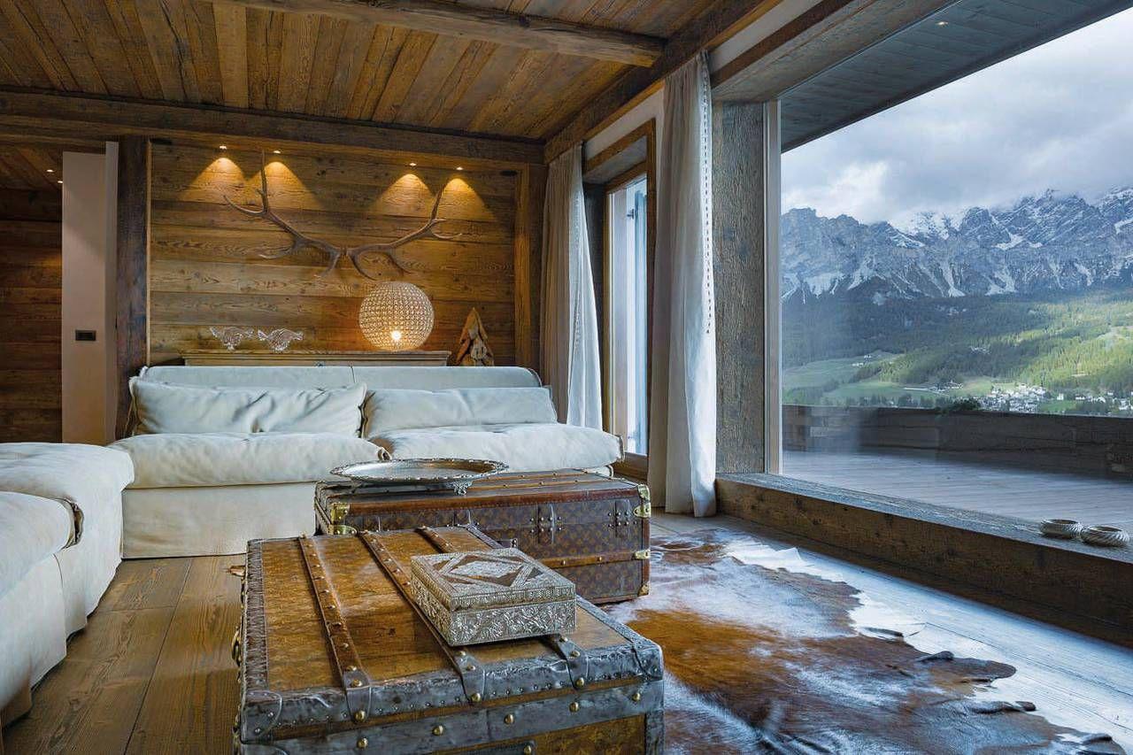 Risultati immagini per libreria legno stile cortina casa for Arredamento chalet legno