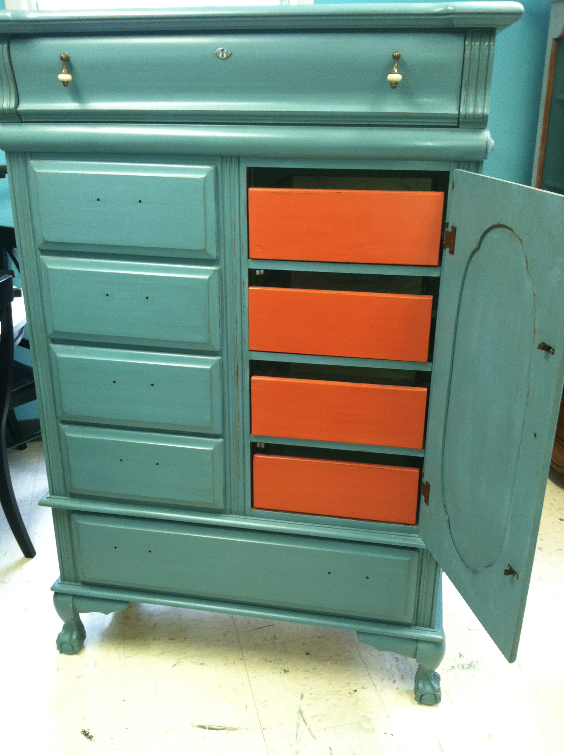 Maison Blanche La Craie Paint French Blue outside and Cayenne drawers on the inside  www.reinvented-vintage.com