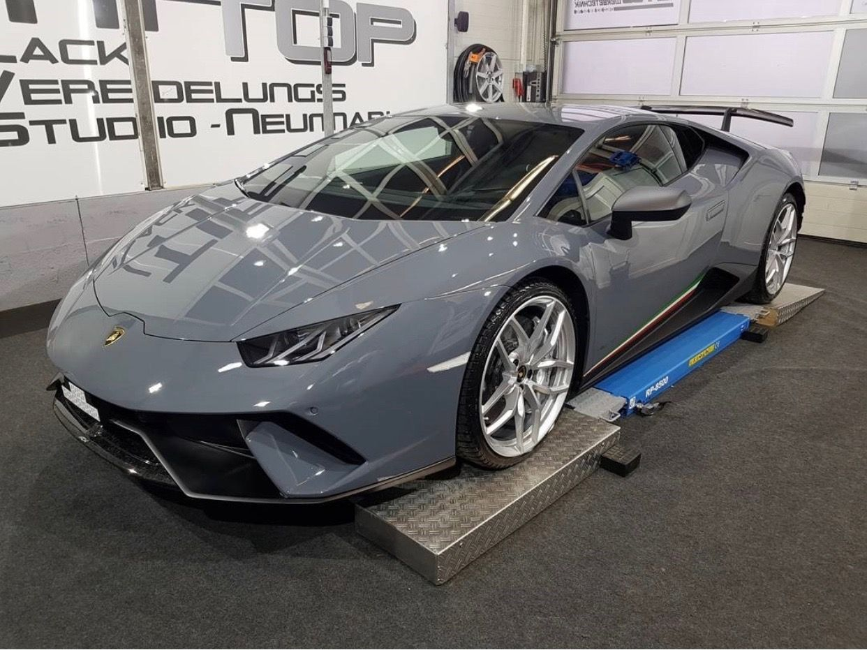 Lamborghini Huracan Performante Painted In Grigio Telesto