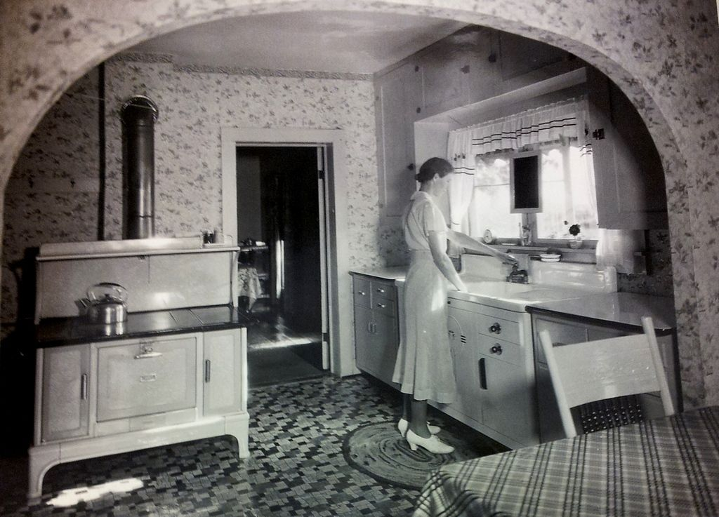 excellent 1930s kitchen | 1936 Kitchen Tour Home: 'A kitchen sink with drainpipe and ...