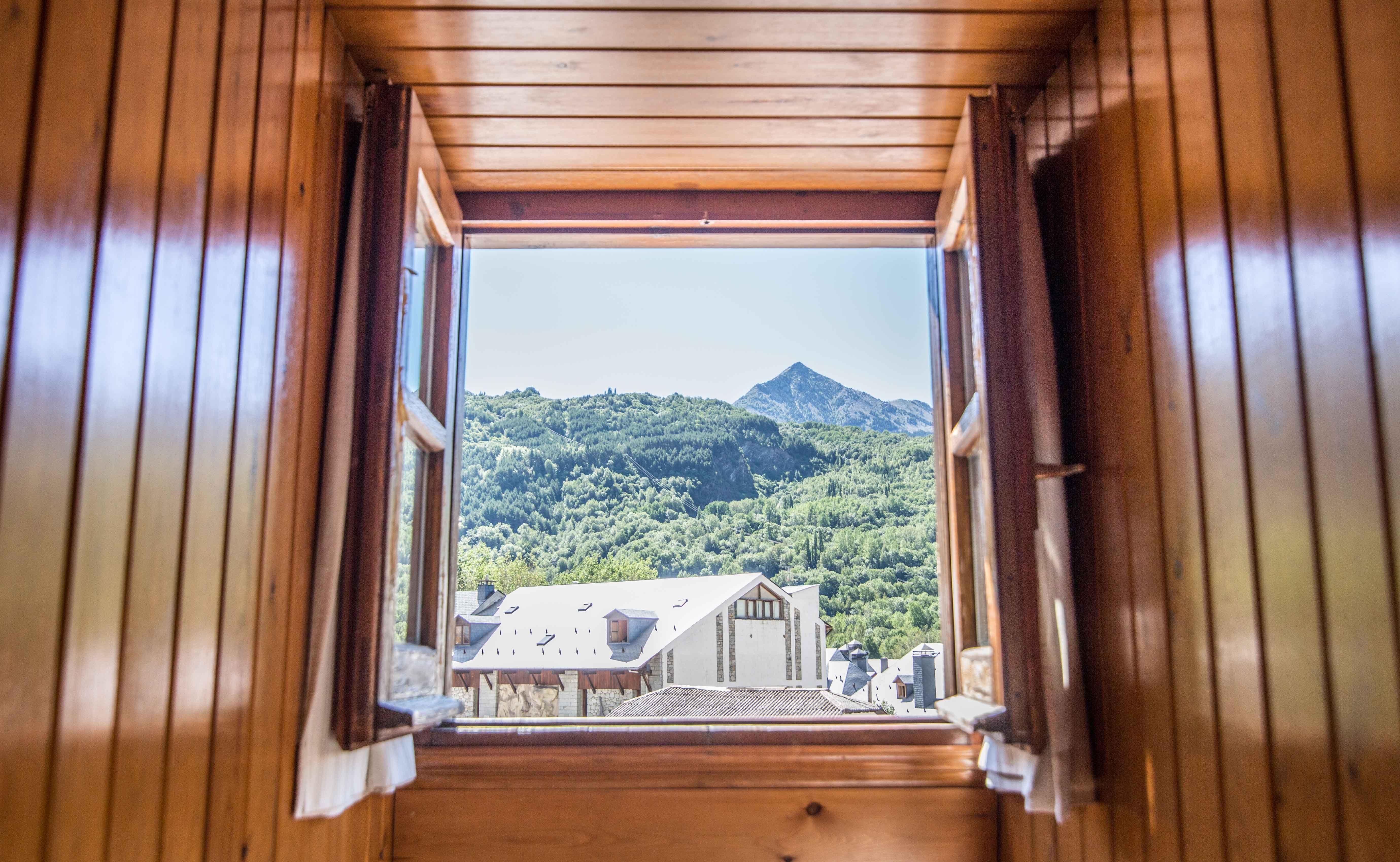 Vista del pico Cerler desde una de nuestras habitaciones