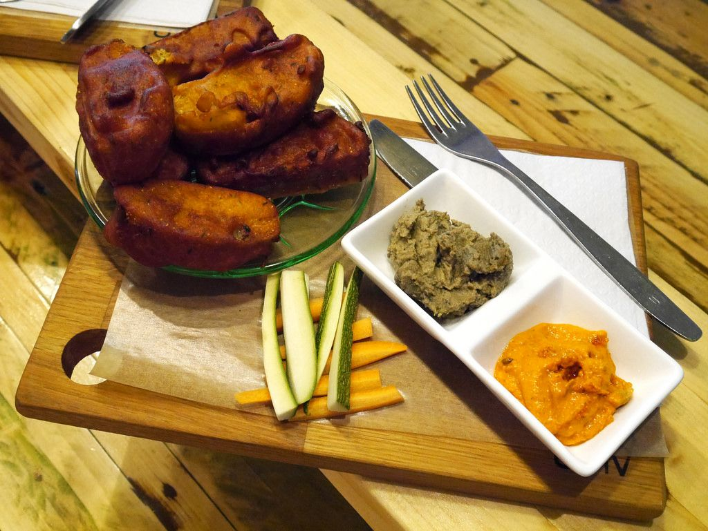 we show you the best 10 vegan restaurants in bar in berlin and their delicious food