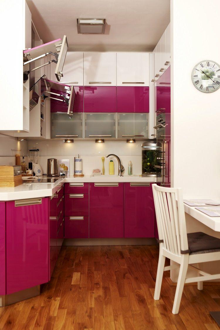 Muebles de color purpura en la cocina peque a cocinas - Muebles para cocina pequena ...
