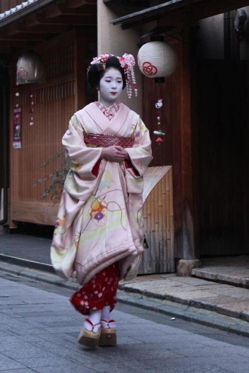 (via 印彩都関西新年会の前の宮川町 たーやのBlog~人生、それが旅~/ウェブリブログ)