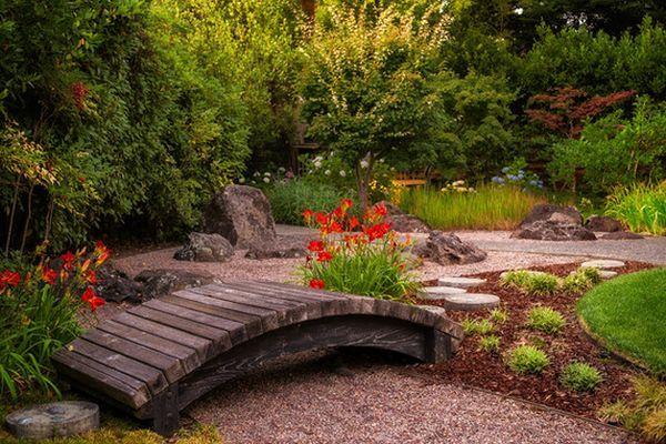 Pont de jardin original pour embelir de plus votre espace for Pont jardin zen