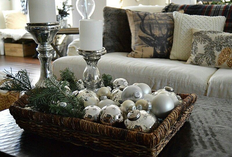 Pretty coffee table centerpiece | Christmas coffee table ...