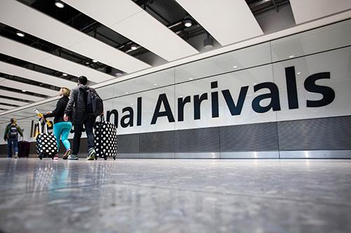 Merki Vv Vrzka S Koronavirusa Evropejska Komisiya In 2020 Tourism Services Work Travel Travel