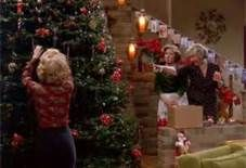that 70s show christmas episode kitty laurie decorate the tree - That 70s Show Christmas Episodes