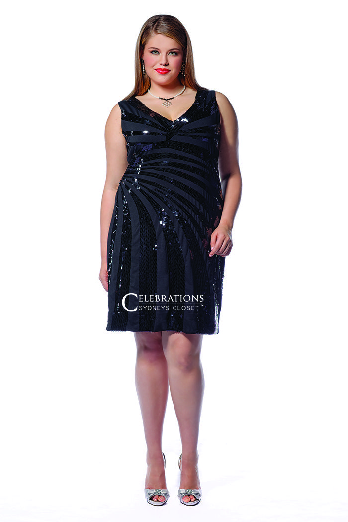 Loving This Sexy Short Plussize Dress Covered In Shiny Sequins