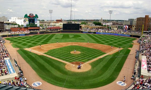 10 Summer Game Or Sport Spending A Saturday At A Dayton Dragons Baseball Game The Bestest Minor League Team Evah Dayton Dragons Local Legends Dayton Ohio