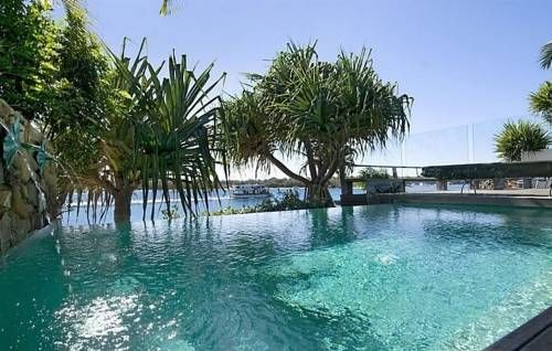 78 Noosa Parade Noosa Sound The stunning river views and sparkling waters of the outdoor pool will have you relaxed in no time when you stay at 78 Noosa Parade, Noosa Sound. This 4-bedroom house expertly combines indoor/outdoor living.