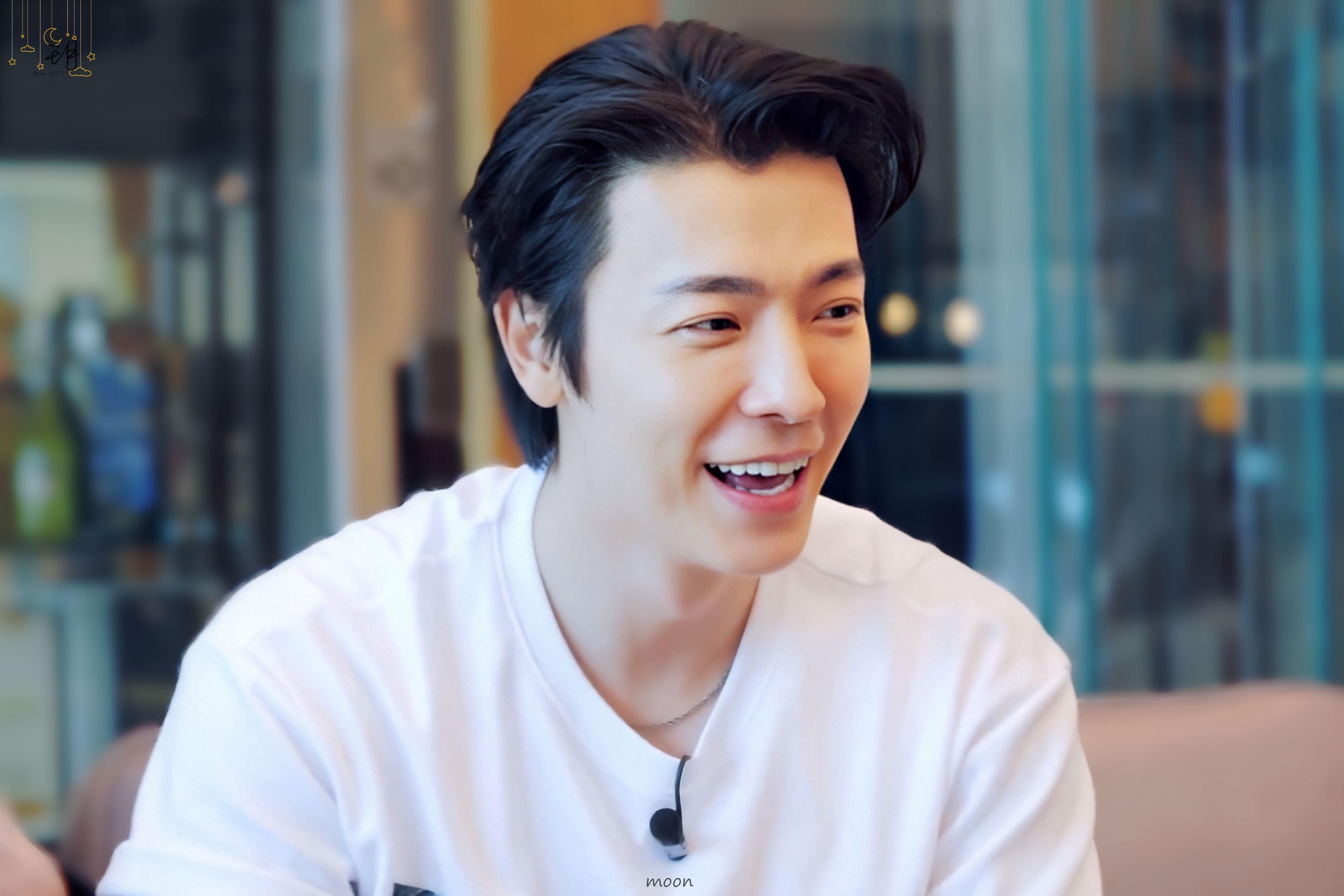 """Н•""""𝕠𝕠𝕟 ǎ¥ On Twitter In 2020 Lee Donghae Super Junior Korean Singer"""