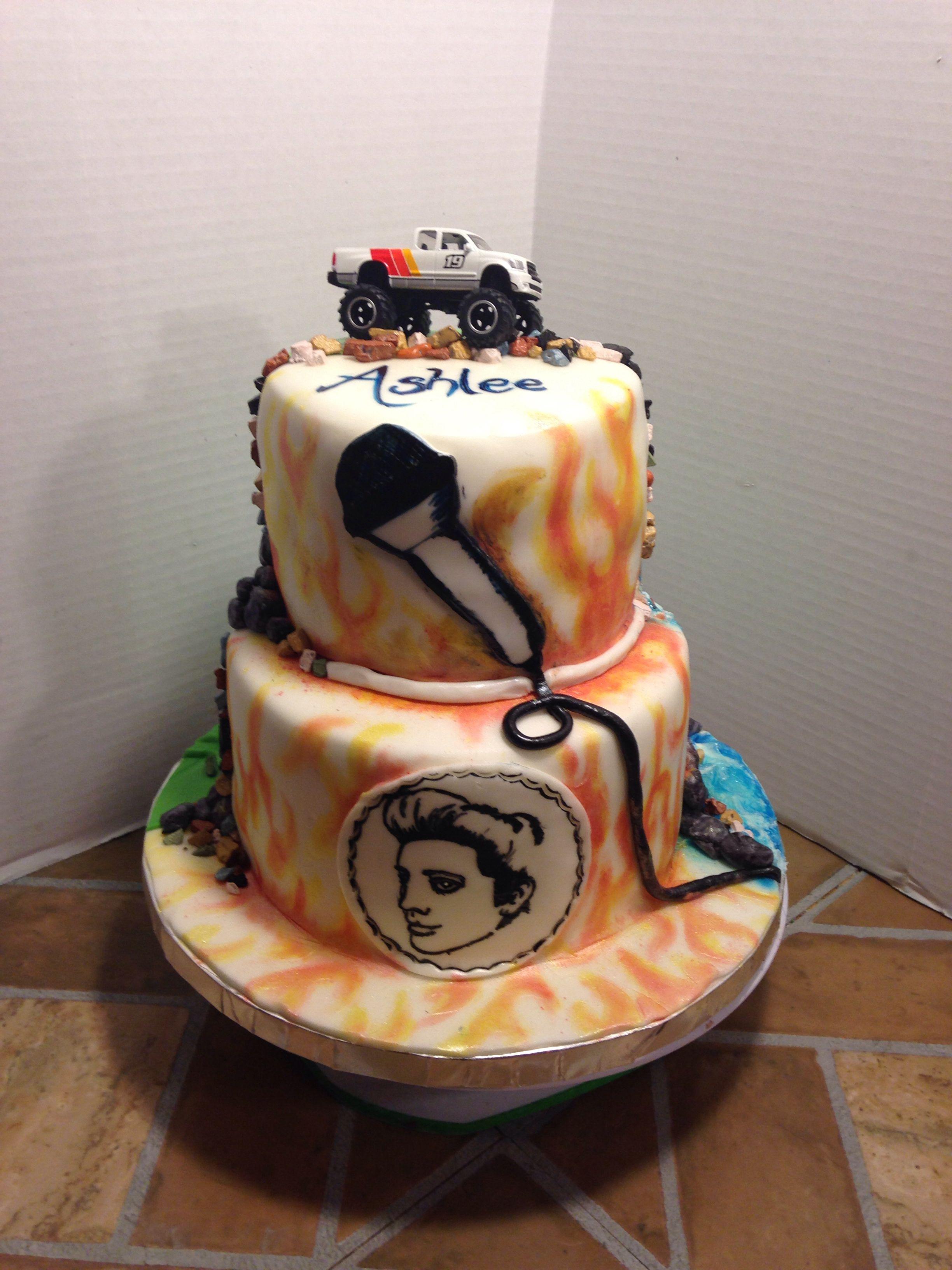 Elvis handpainted cake.