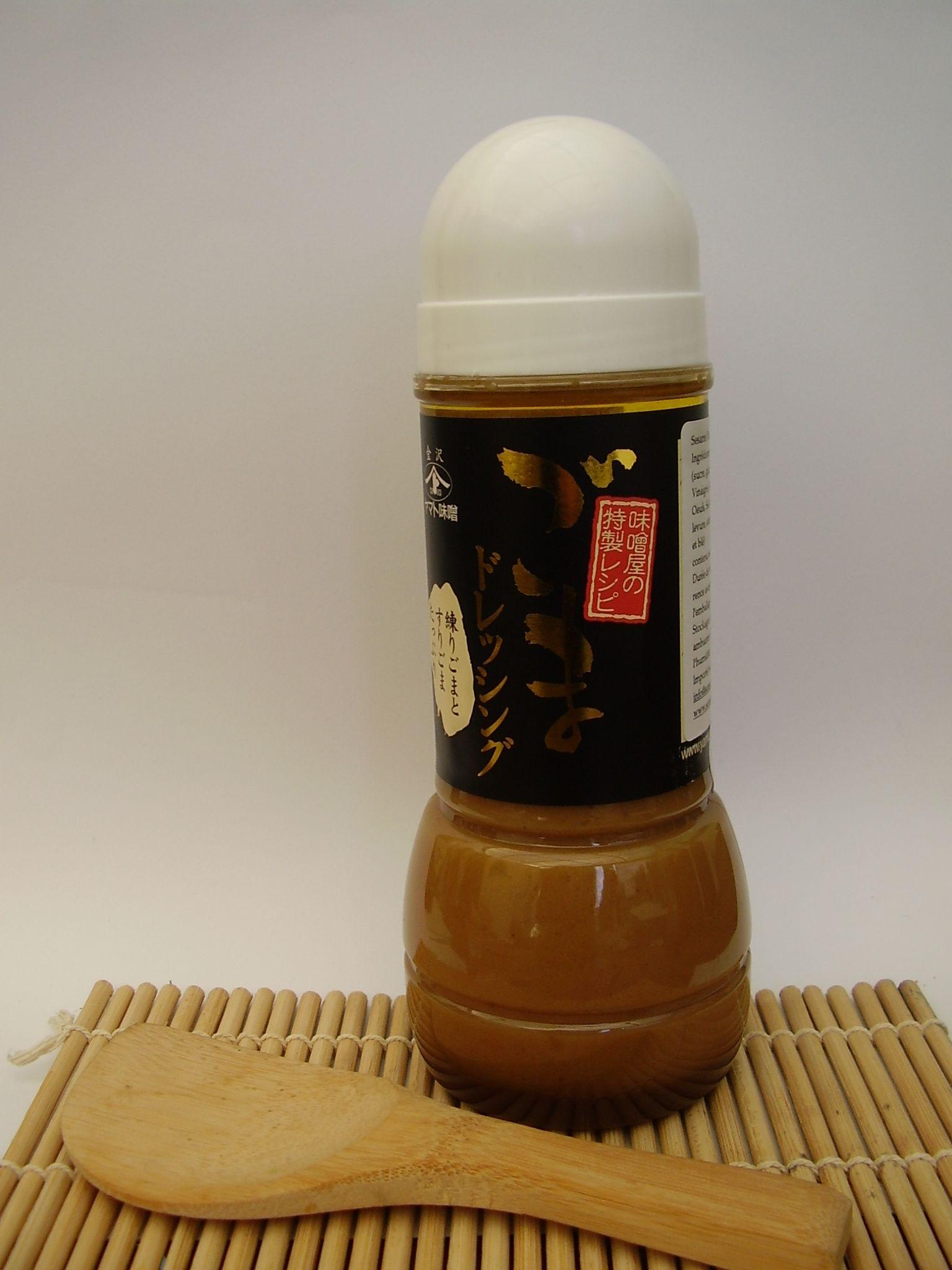 vinaigrette japonaise au sésame gomma dressing   http://www.relaisderungis.com/specialites-asiatiques/89-sesame-dressing-300ml.html