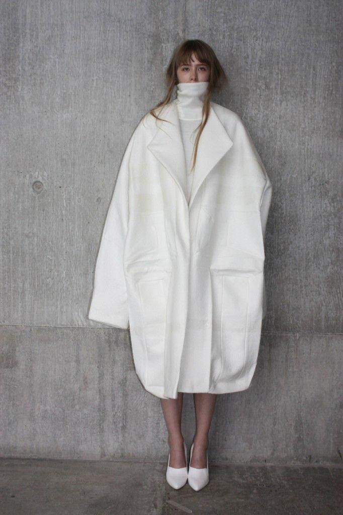 'The White Series. Part 9: Ernesto Naranjo' At: http://1granary.com/#prettyPhoto[3]/1/ (Accessed 27.10.14)