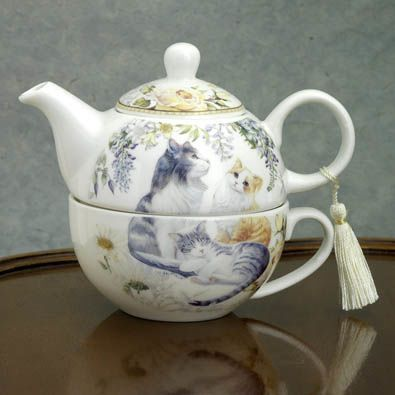 Tea for One - Cats Teapot & Cup Gift set | Bits and Pieces