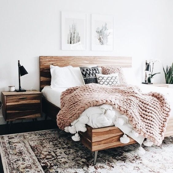 Pin By Samantha Hammack On Bed In 2019 Vintage Bedroom