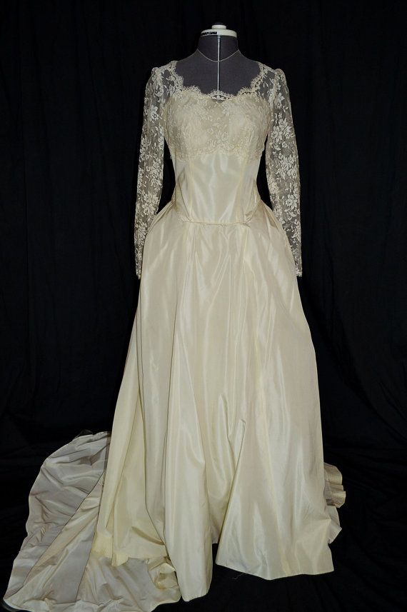 $325 1890s Ivory Victorian Lace Wedding Gown/Dress w by VintageWedding1